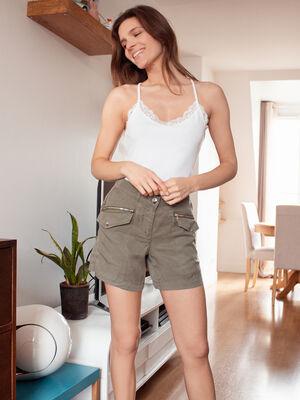 Short droit taille basculee vert kaki femme