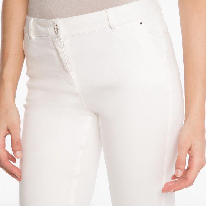 Pantalon 7/8ème ajusté à revers blanc femme