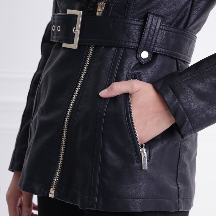 Manteau cintré fausse fourrure noir femme