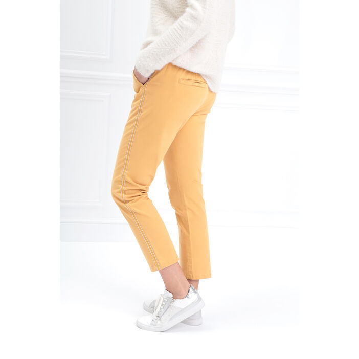 Pantalon chino taille basculée jaune or femme