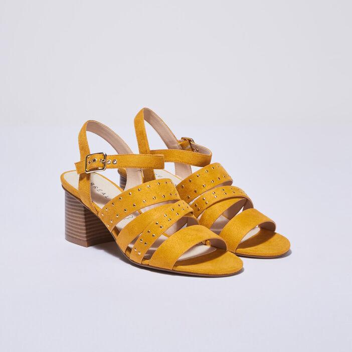 Sandales à talons cloutées jaune or femme