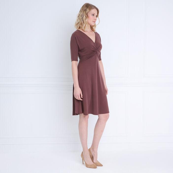 Robe cintrée en maille marron foncé femme