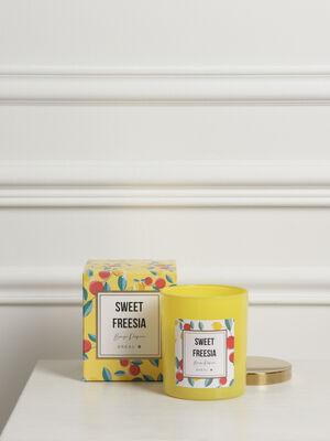 Bougie parfumee en boite jaune femme