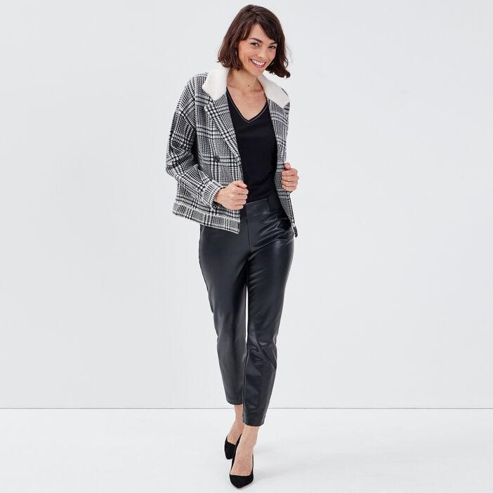 Gilet droit porté manteau ecru femme